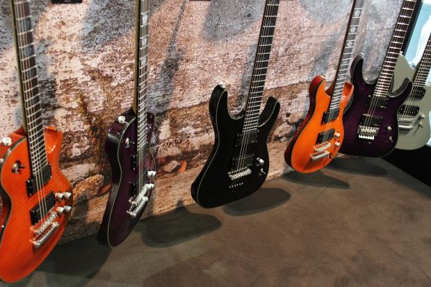 Charvel Desolation - nowości w kultowej serii gitar Charvela [Musikmesse 2014]
